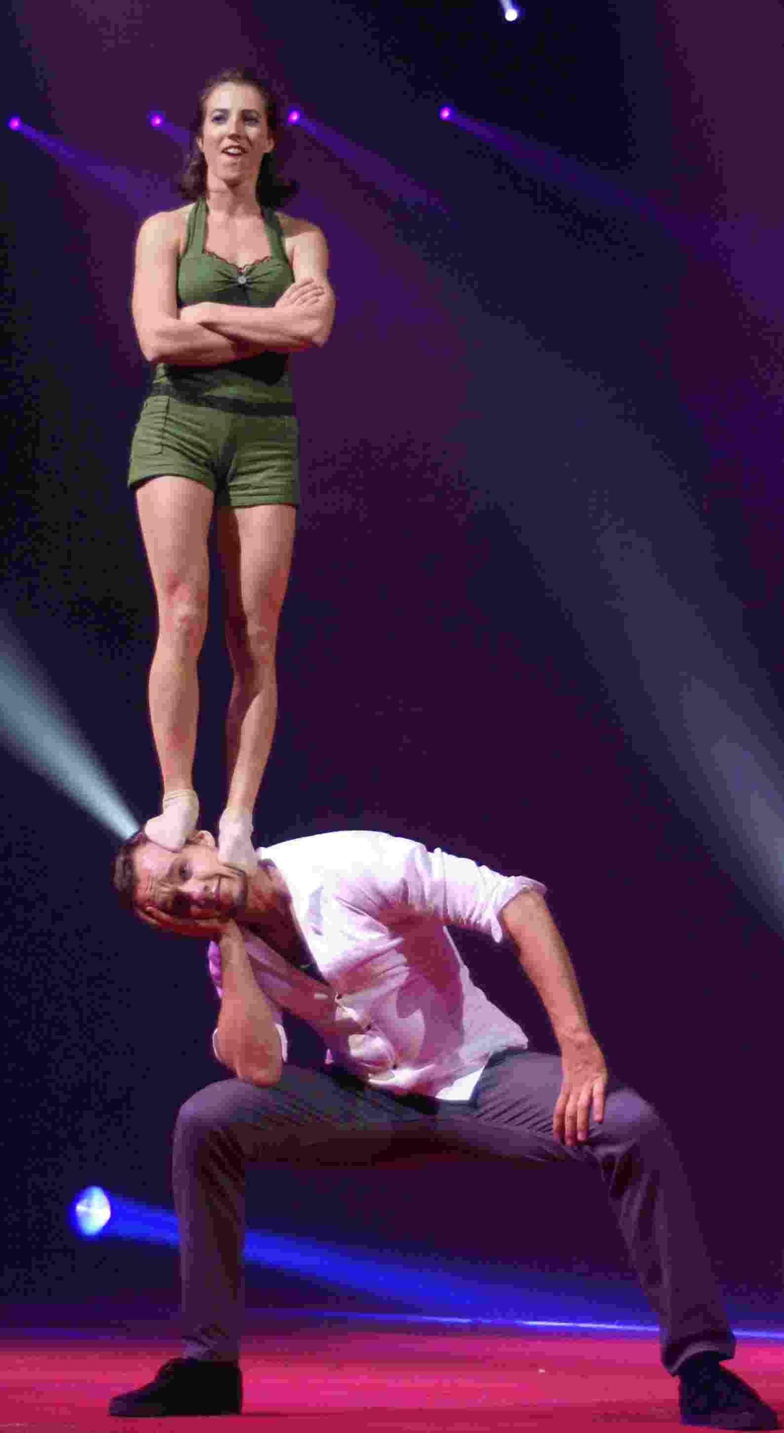 Reste Avec Moi Mireille Mathieu Paroles Cirque